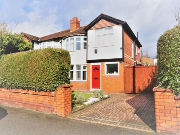 4 bedroom semidetached house for sale