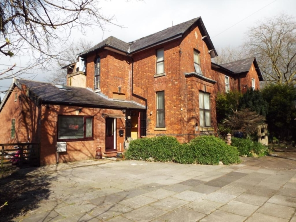 6 bedroom semidetached house for sale