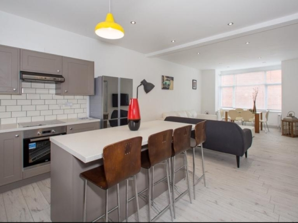 6 bedroom terrace house for sale