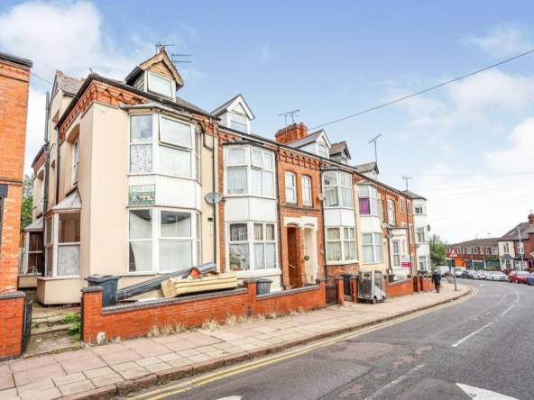3 bedroom terrcaced for sale in